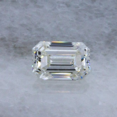 H color, VS2 clarity Emerald 0.72 -Carat Diamond