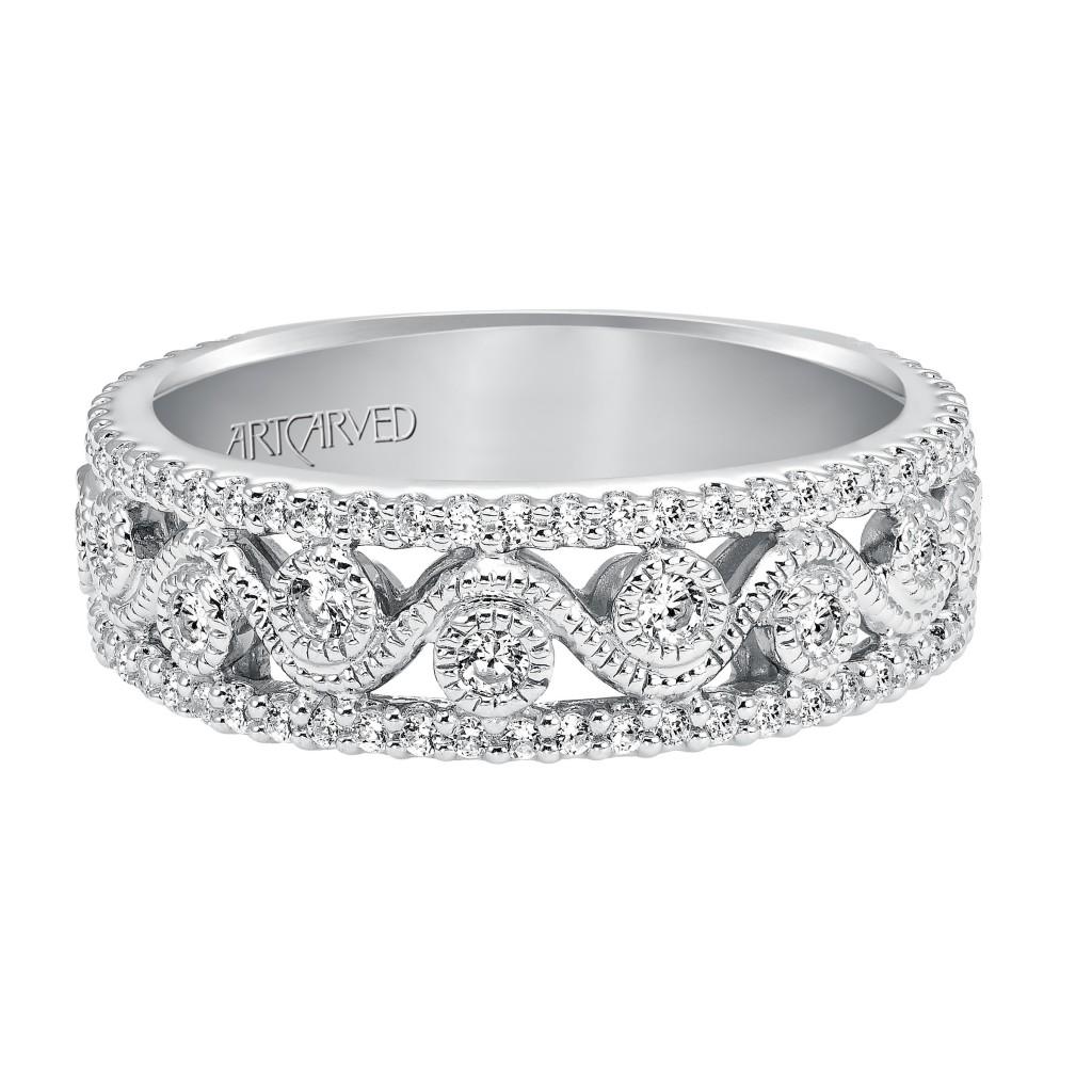 Anniversary Ring With Round Diamond Enhanced Design