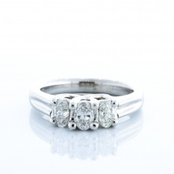 DIANA 3 OVAL RING (1.10ctw)