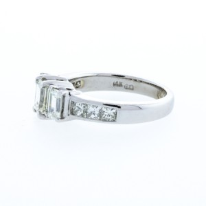 Estate Ladie's Diamond 3 Stone Emerald Cut Diamond Ring (2.00ctw)
