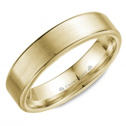 Wedding Band In Yellow Gold With Brushed Center And Polished Edges