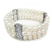 Ladies Freshwater Stretch Pearl Bracelet