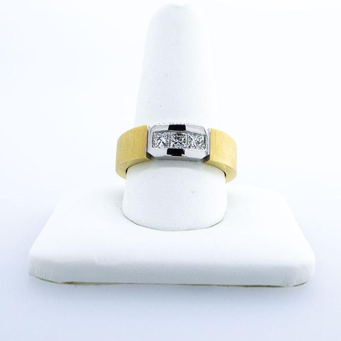 Men's 18KT Diamond Ring